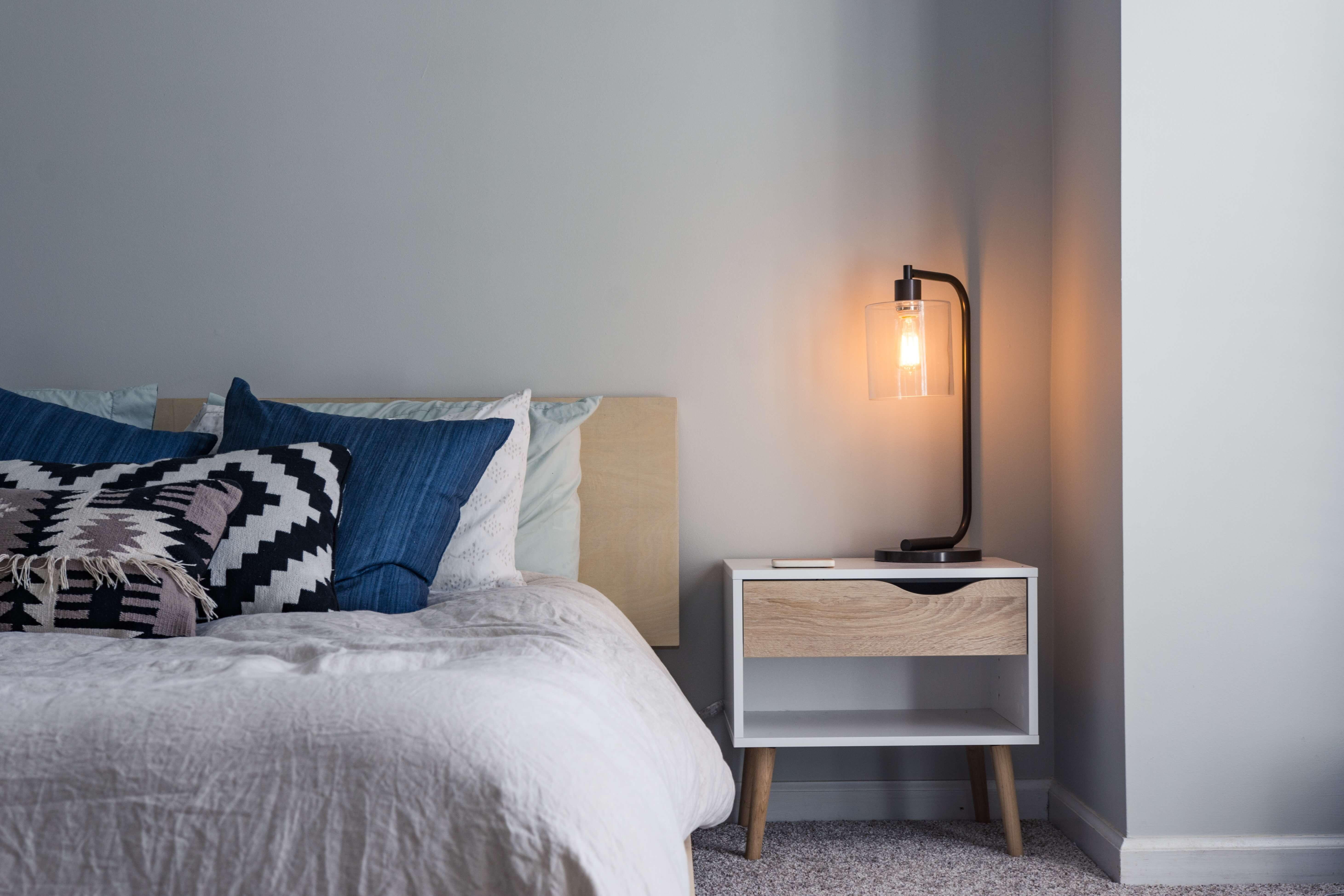 Como fazer a iluminação do quarto: dicas para acertar